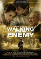 Al lado del enemigo online (2014) Español latino descargar pelicula completa
